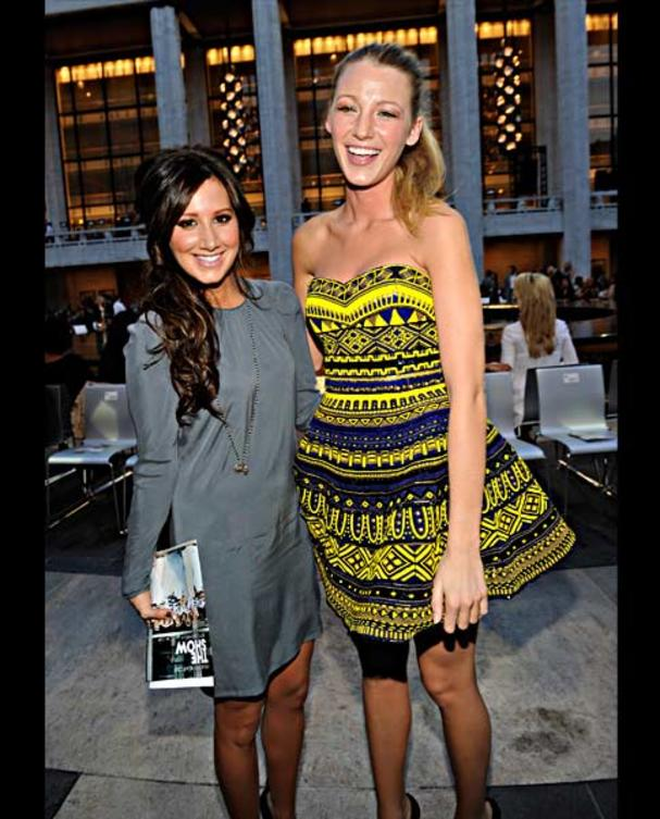 ashley-tisdale-und-blake-lively-fashions-night-out