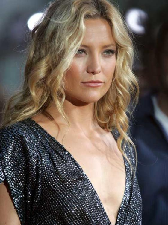 kate-hudson-dekolletee