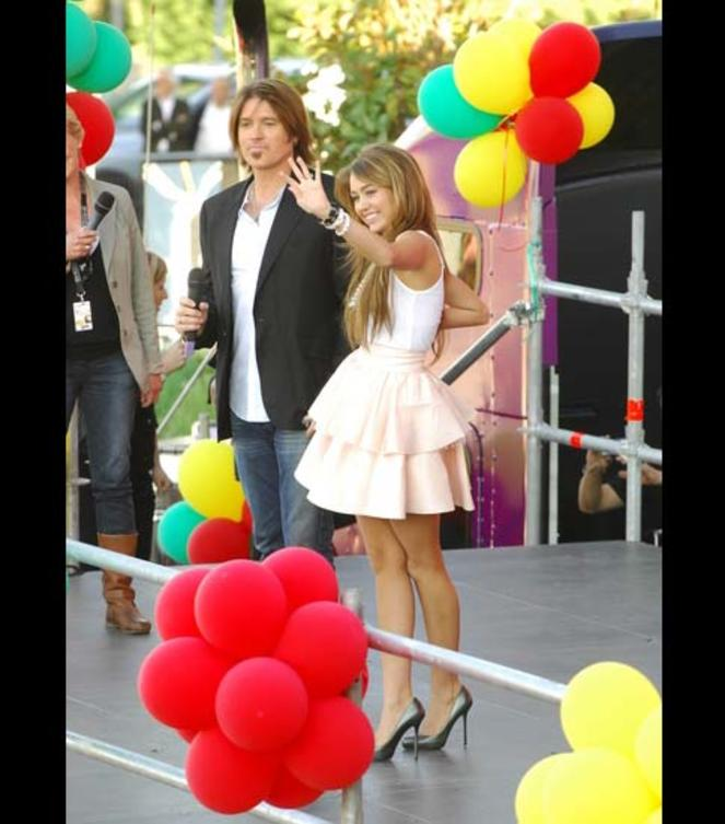miley-cyrus-billy-ray-ballons
