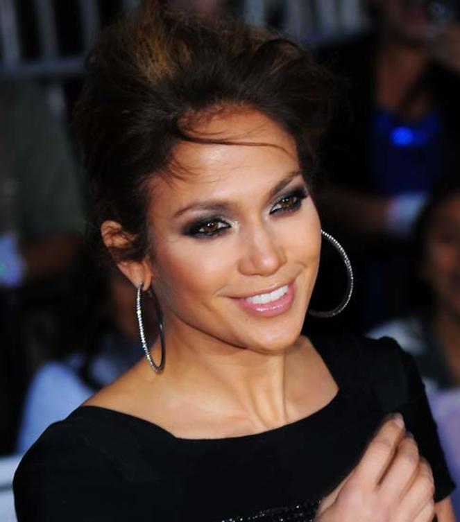 jennifer-lopez-im-wind