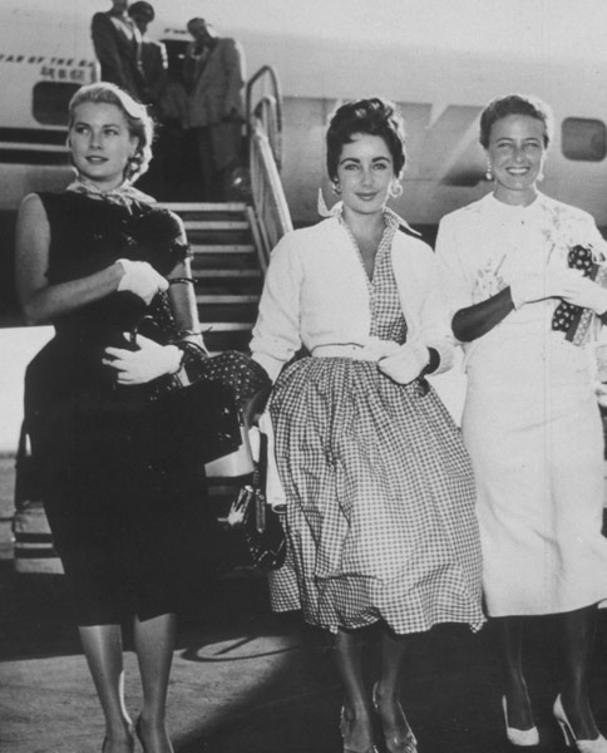 54-Elizabeth-Taylor-Grace-Kelly-and-Loraine-Day-dfd