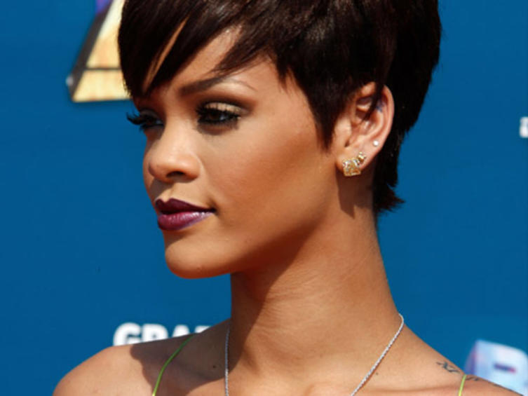 rihanna-tattoo-2
